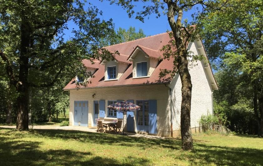 Location vacances Coly -  Maison - 6 personnes - Barbecue - Photo N° 1