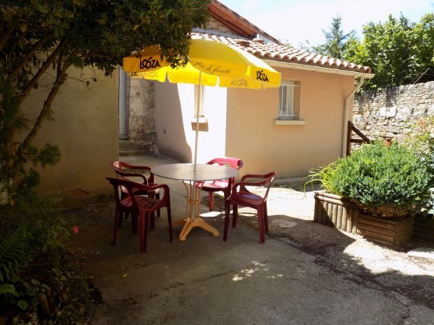 Location vacances La Cresse -  Gite - 4 personnes - Barbecue - Photo N° 1