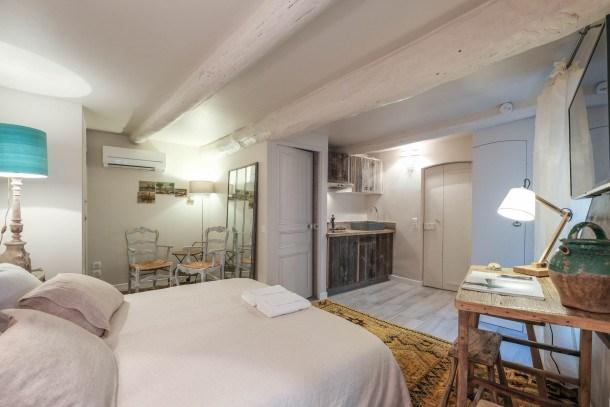Unique 3 bedrooms townhouse heat of Cannes !