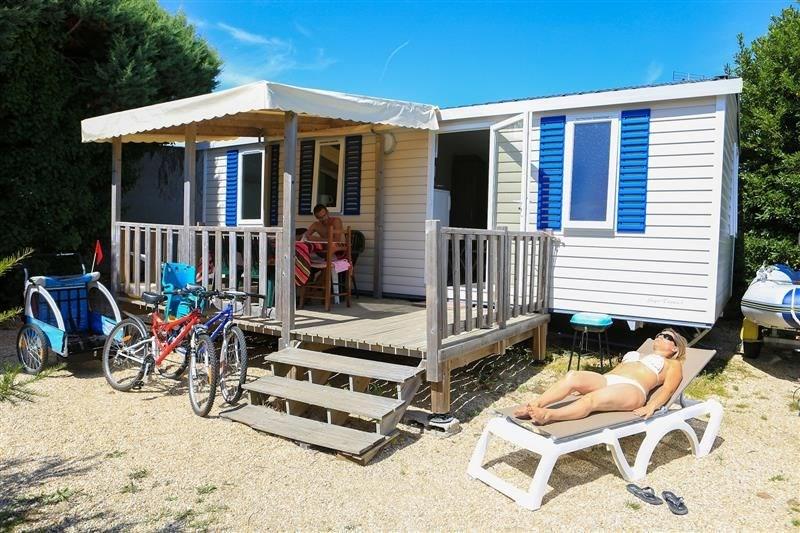 A 2, 4 ou 6 personnes… Au Camping Cromenac'h, profitez de votre séjour près des plages de Damgan et d'Ambon en Bretag...