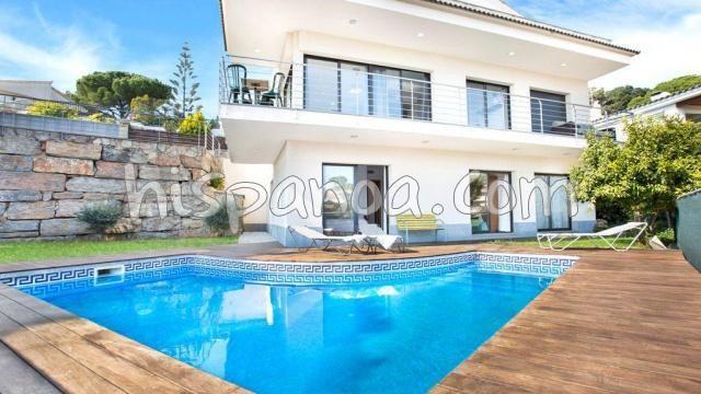 Villa à Lloret del Mar avec vue mer - location de vacances 8 personnes