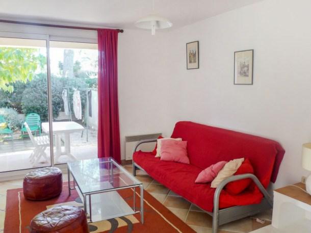 Location vacances Saint-Cyr-sur-Mer -  Appartement - 6 personnes - Télévision - Photo N° 1