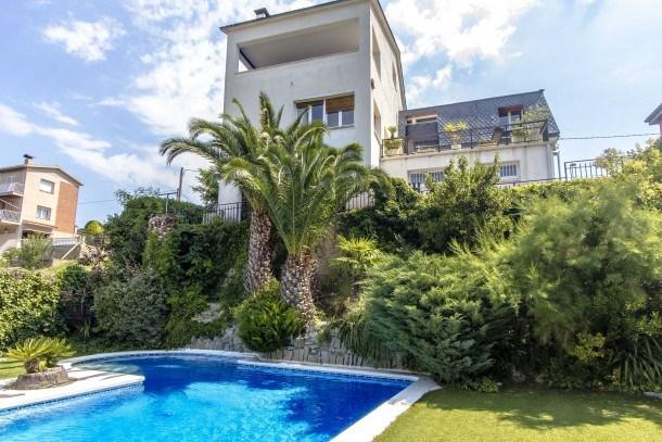 Catalunya Casas: Villa Abrera pour 10-11 personnes avec vue sur la montagne!