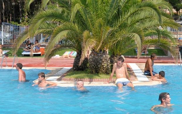Camping Santa Elena-Ville est situé dans la meilleure zone de la Costa Brava, tout proche de Gérone et Barcelona, dan...