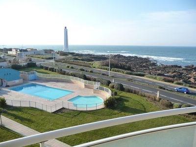 Appart avec piscine chauffee reservez face a la mer dans residence