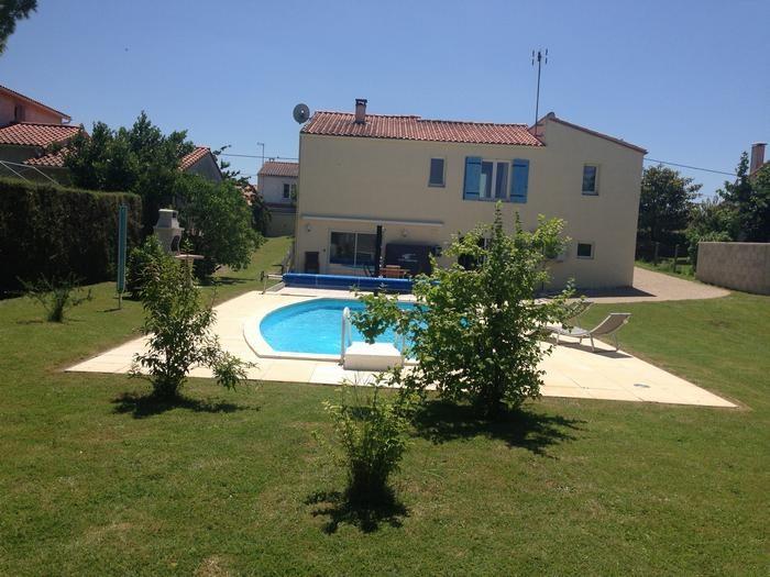 Appartement pour 6 pers. avec piscine privée, Semussac
