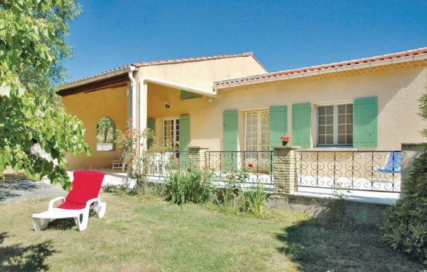 Location vacances Saint-Trinit -  Maison - 5 personnes - Barbecue - Photo N° 1
