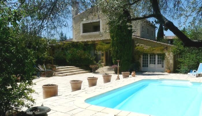 Villa de prestige avec piscine au cœur du parc du Luberon pour 8 personnes