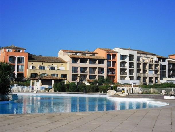 T2 résidence avec piscine avec accès direct à la mer