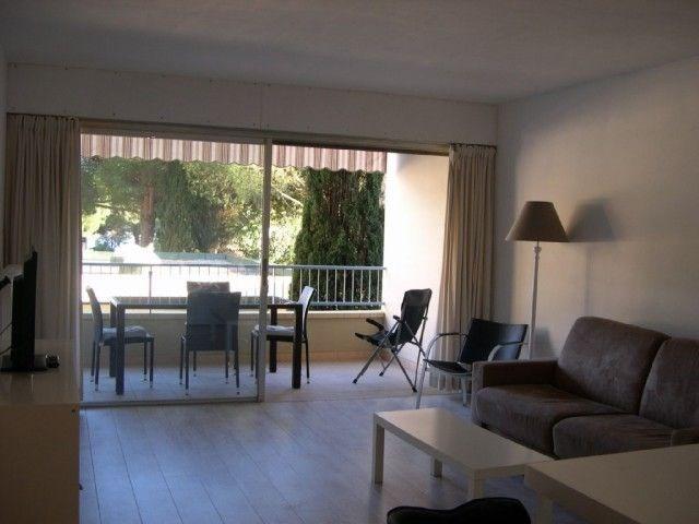 Plein centre-ville, superbe appartement T2 en duplex, entièrement rénové.
