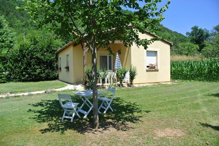 Location vacances Castels -  Maison - 4 personnes - Barbecue - Photo N° 1