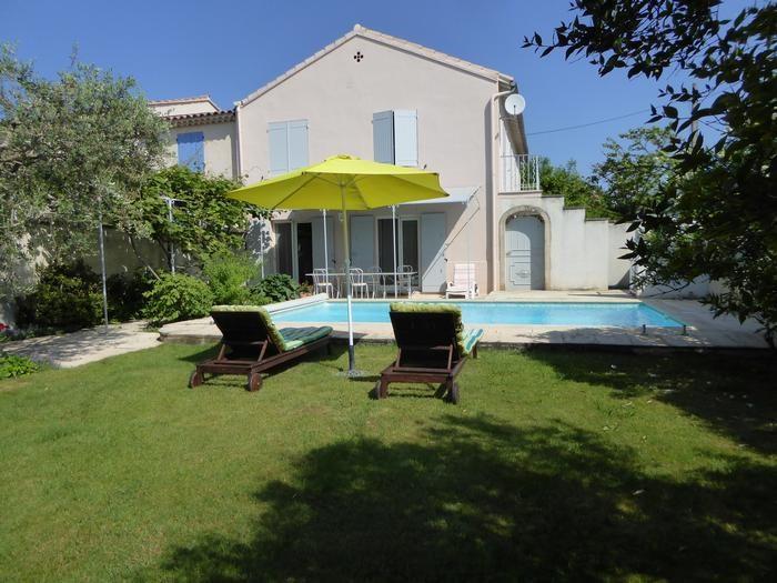 Maison indépendante avec piscine privée sécurisée