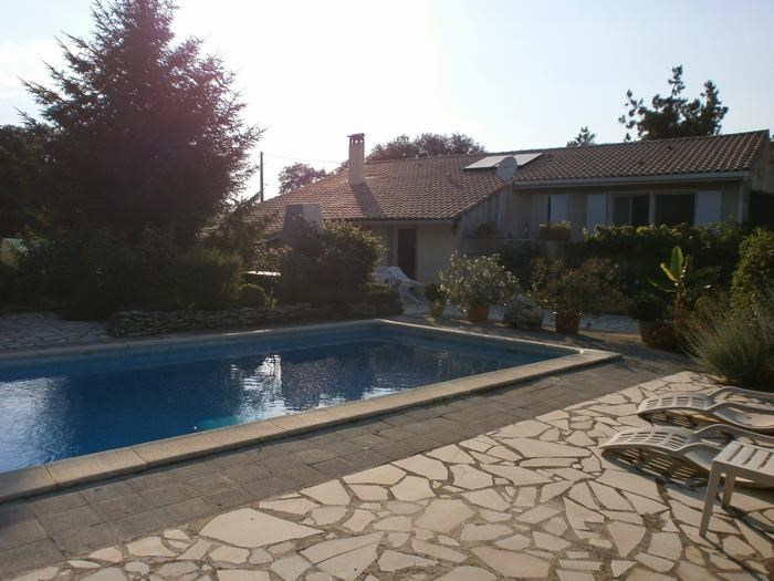 Location vacances Galargues -  Appartement - 2 personnes - Barbecue - Photo N° 1