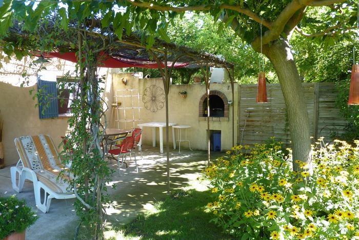 Location vacances Mallemort -  Maison - 4 personnes - Barbecue - Photo N° 1