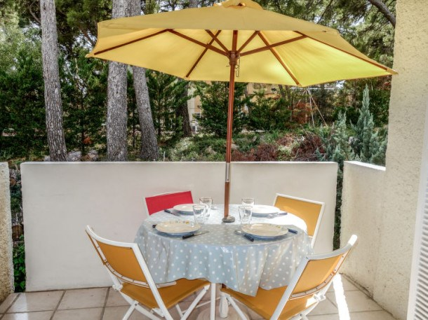 Location vacances Saint-Cyr-sur-Mer -  Appartement - 4 personnes - Barbecue - Photo N° 1