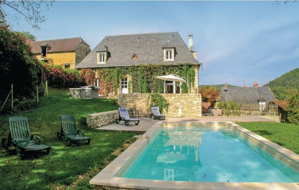 Location vacances Coly -  Maison - 8 personnes - Barbecue - Photo N° 1