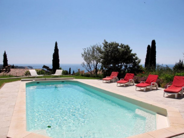 Ferienhaus mit Pool (SAY110)