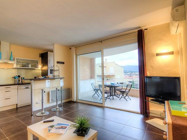 Location vacances Cavalaire-sur-Mer -  Appartement - 4 personnes - Barbecue - Photo N° 1