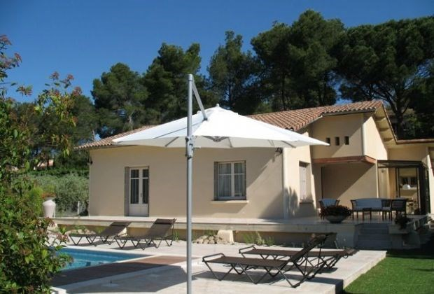 Villa Enzo is a really charming and cosy holiday home with a private pool and delightful garden,...