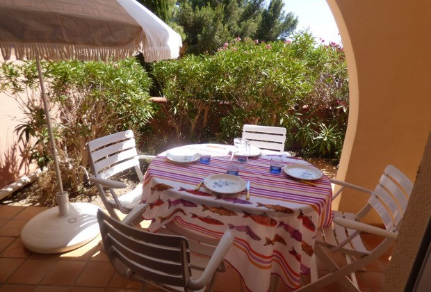 Location vacances Narbonne -  Appartement - 4 personnes - Salon de jardin - Photo N° 1