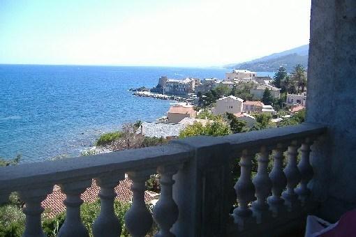 Erbalunga ,dans villa spacieuse ,balcon sur la mer, vue exceptionnelle