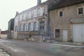 Gîte indépendant situé dans une jolie maison bourgeoise restaurée au cœur de la vieille ville.