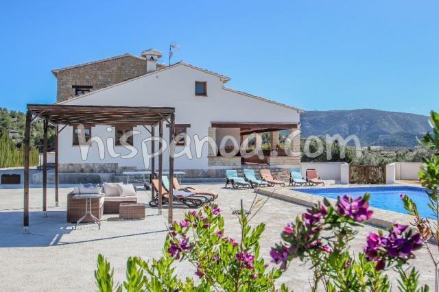Grande villa en location pour 8 avec piscine sur la costa blanca |finarg
