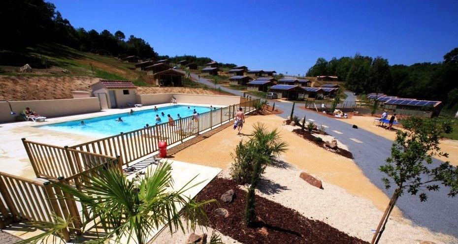 Chalet 3* avec Piscine dans résidences vacances entre Cahors & Sarlat