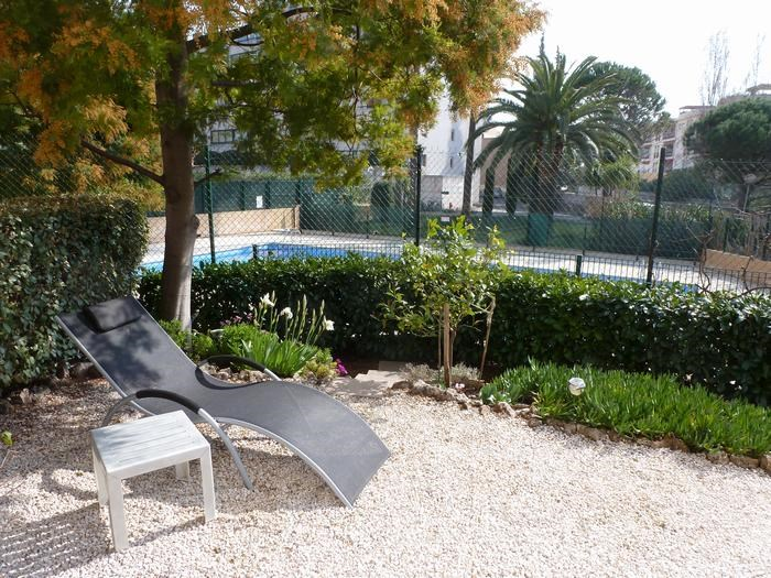 Location vacances Saint-Raphaël -  Appartement - 5 personnes - Chaise longue - Photo N° 1
