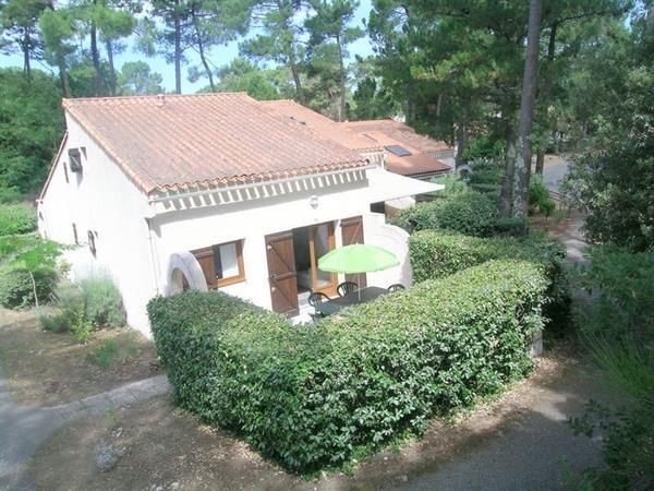 Location vacances Les Mathes -  Maison - 5 personnes - Terrasse - Photo N° 1