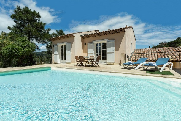 Location vacances Sainte-Maxime -  Maison - 7 personnes - Salon de jardin - Photo N° 1