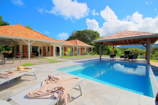 Luxury villa with private pontoon (MQFR31)