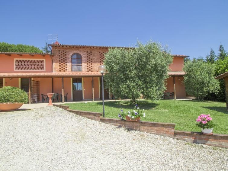 Studio pour 5 personnes à Orentano