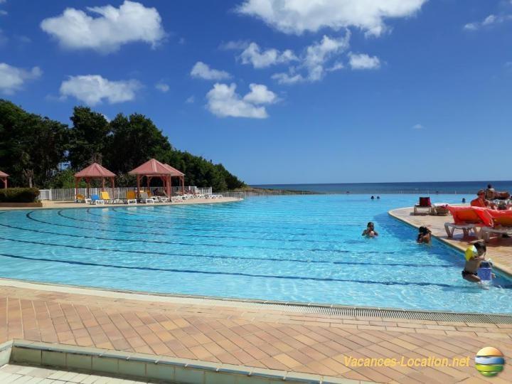 Belle piscine de 1000 m&