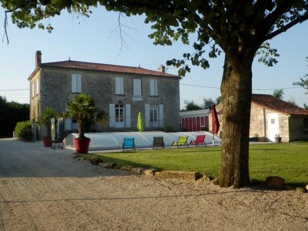 Gîte avec piscine pour 10/12 personnes - Le Poiré-sur-Velluire
