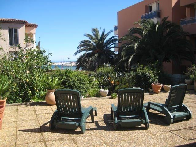 Location vacances Cavalaire-sur-Mer -  Appartement - 6 personnes - Chaise longue - Photo N° 1