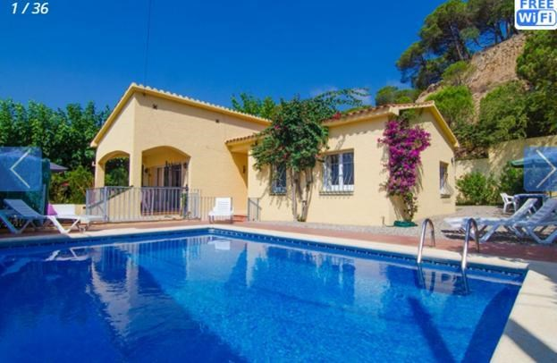 Holiday rentals Lloret de Mar - House - 6 persons - BBQ - Photo N° 1