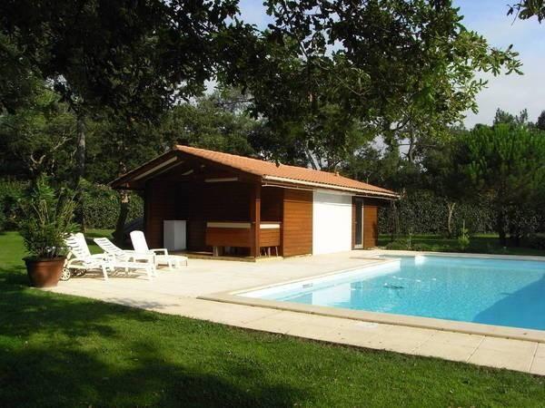 Piscine et pool-house