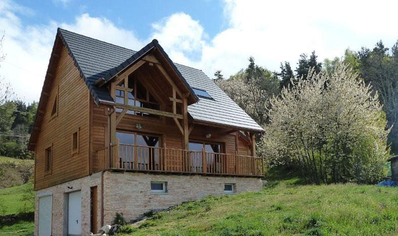 Location vacances Saint-Alban-sur-Limagnole -  Maison - 6 personnes - Jardin - Photo N° 1