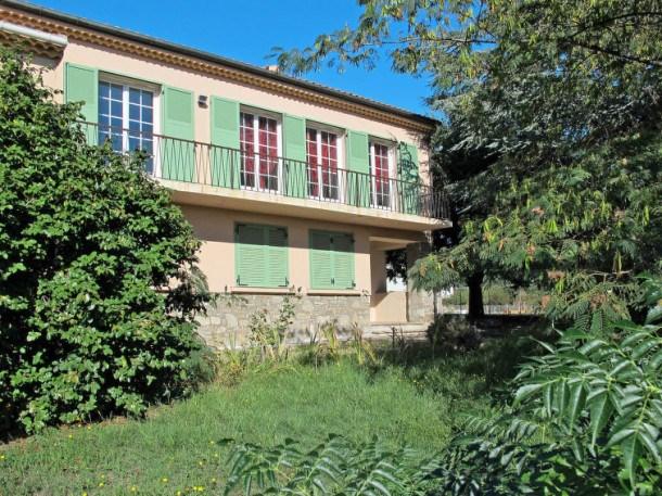 Location vacances Santa-Lucia-di-Moriani -  Appartement - 5 personnes - Barbecue - Photo N° 1