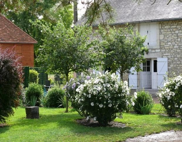 petit gîte  charmant 10 km Châteauroux 2 personnes Campagne grands espaces Plan d'eau garage - Co...