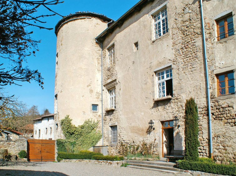 Appartement pour 5 personnes à Saint Bonnet le Chastel