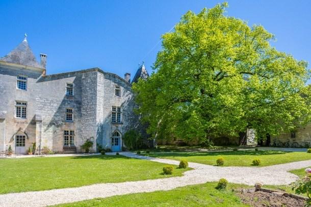 Château médiéval proche Dordogne