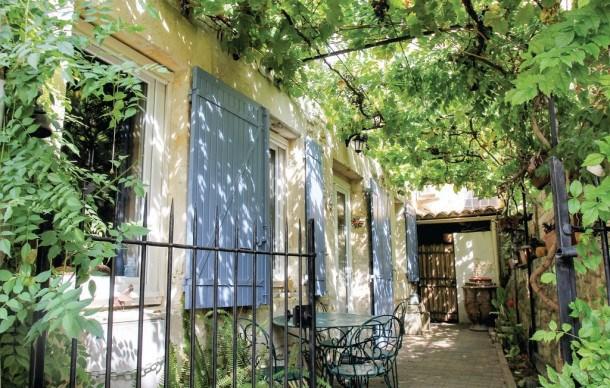 Location vacances Boulbon -  Maison - 4 personnes - Chaîne Hifi - Photo N° 1