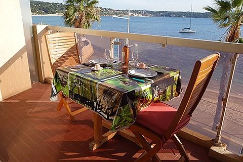la terrasse vue mer sur la plage du casino