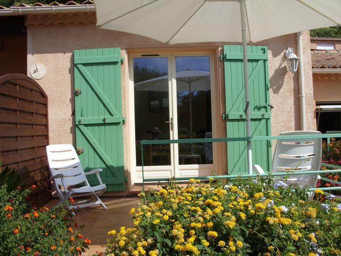 Location vacances Le Lavandou -  Appartement - 2 personnes - Chaise longue - Photo N° 1