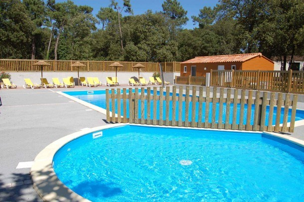 Camping La Ventouse - Mh 3ch 6pers 30m² + terrasse couverte