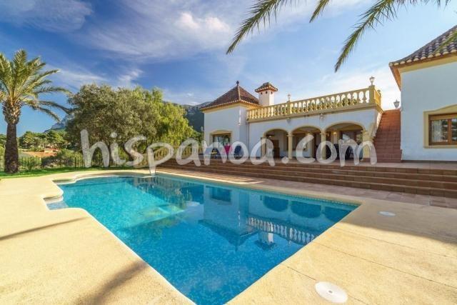 Location de cette villa de vacances à Denia avec piscine et clim |069