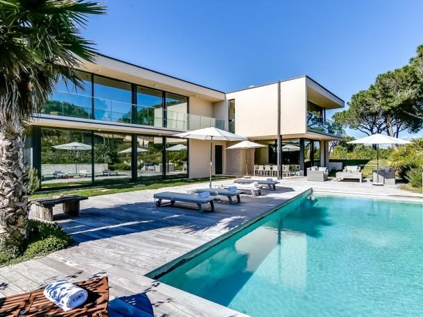 Villa contemporaine proche plages de Saint-Tropez
