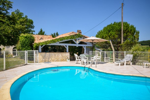 Location vacances Montlauzun -  Maison - 5 personnes - Barbecue - Photo N° 1